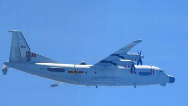 与辽宁舰军演?日本称中国军机穿越宫古海峡出岛链 飞行线路曝光