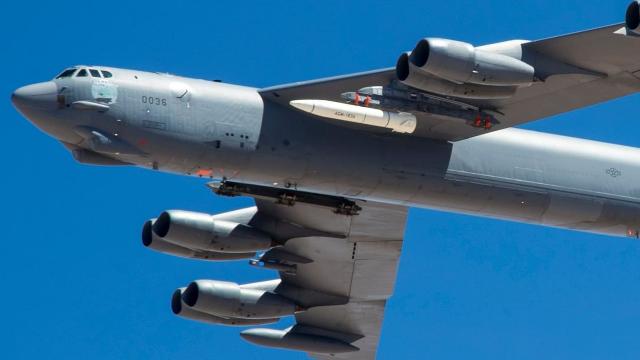 大杀器曝光!美军最先进高超音速导弹真身首次亮相 由B52搭载