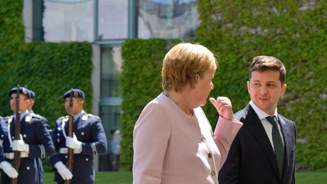 默克尔欢迎乌克兰总统泽连斯基