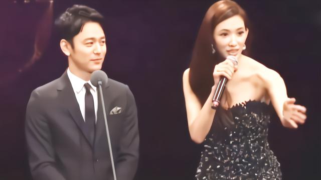 林志玲台上狂秀日语,在线同声翻译,调侃称:舒淇太美不用化妆!