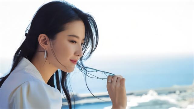 刘亦菲有新恋情了?情侣头像引猜疑,男方是摄影师