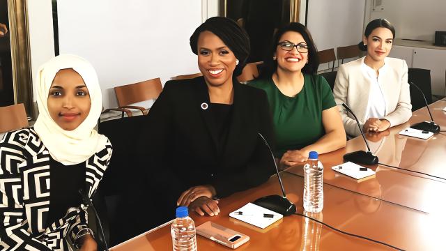 特朗普大骂有色人种女议员 回你们犯罪猖獗的老家去
