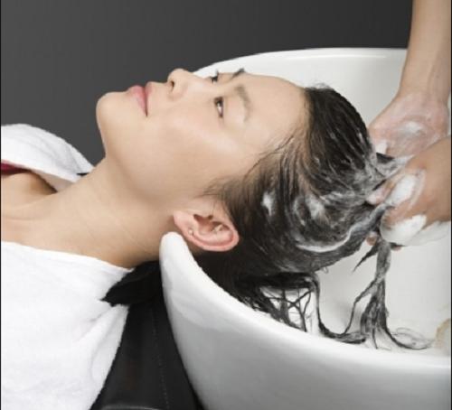 洗头发看似简单,但也包含了很多养发常识,看过来!