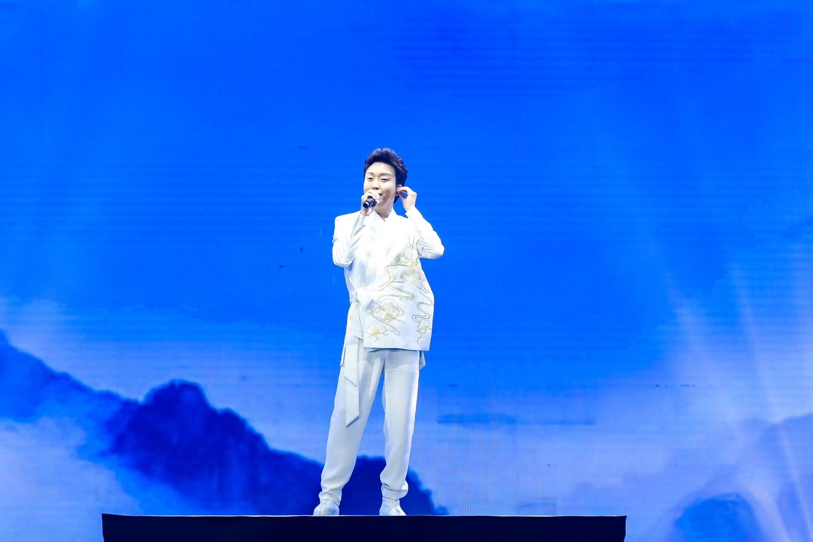 <b>李玉刚:感谢你们对传统文化和国风音乐的喜爱与传承</b>