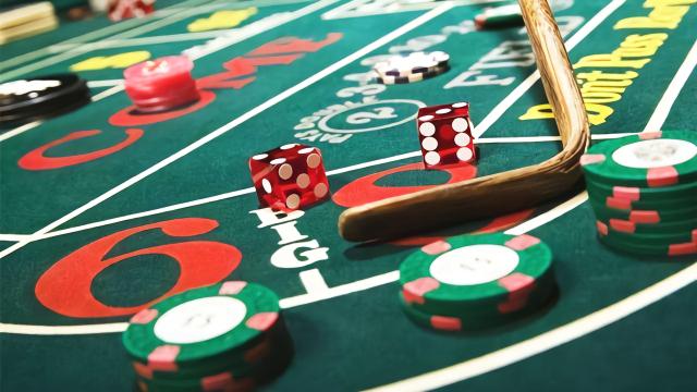 美女采访澳门赌场工作人员,可以借五万到五百万