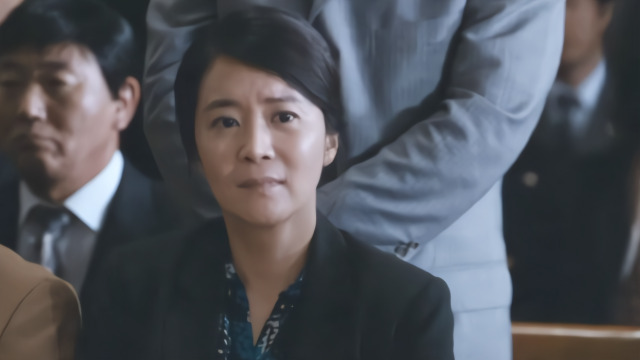 韩国的现实主义电影都挺打动人的,《辩护人》便是其中之一