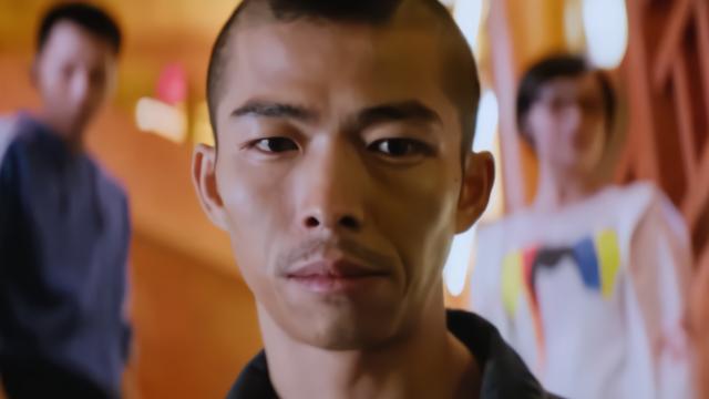 无名之辈:胡广生转身遇警察!运气背到没得说,买彩票必中