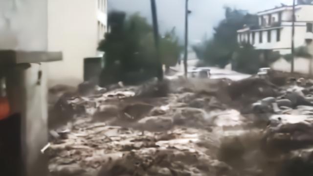 突发!汶川县境内强降雨,成都至阿坝州多处道路中断