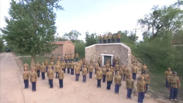 二营全体成员为武器送行,看着离去的车队,集体泪目!