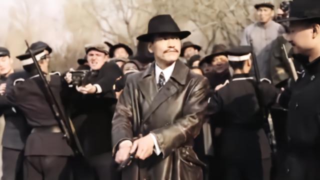 廖凡湖边枪毙罪犯,老百姓拍手叫好,这就叫邪不压正