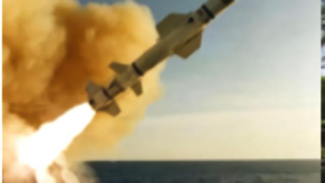 伊朗做出危险动作,美发出严重警告,伊军导弹锁定美航母!