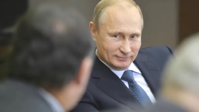 """俄罗斯成了""""世界中心""""?世界三强纷纷示好普京,特朗普也被套路"""