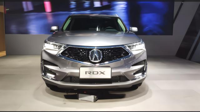 广汽讴歌RDX的前脸设计感如何?让我们先从车标看起