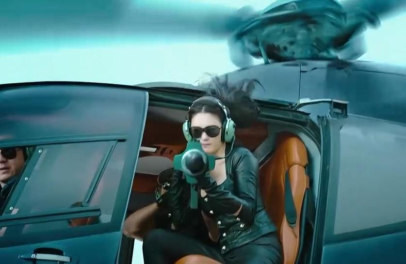 女人心海底针,美女张雨绮身抗火箭炮,对着情敌就是一发
