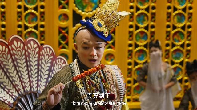 国王把宫殿装成儿童乐园,看到唐僧上来就要抱抱,这也太二了
