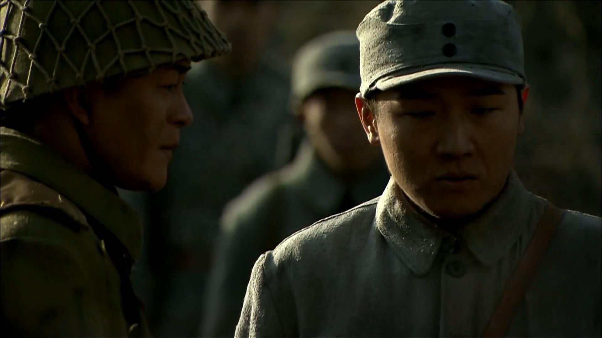 周卫国返回战场救兄弟,连长却带着人撤退了,这不是卖队友吗