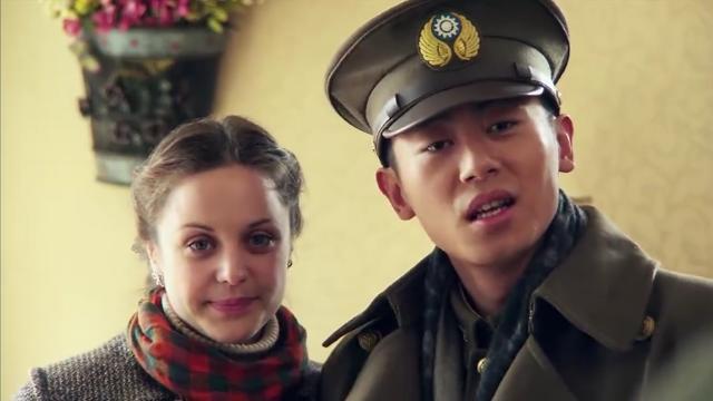 少校带回一个外国媳妇,不料刚回来就闹了个大笑话