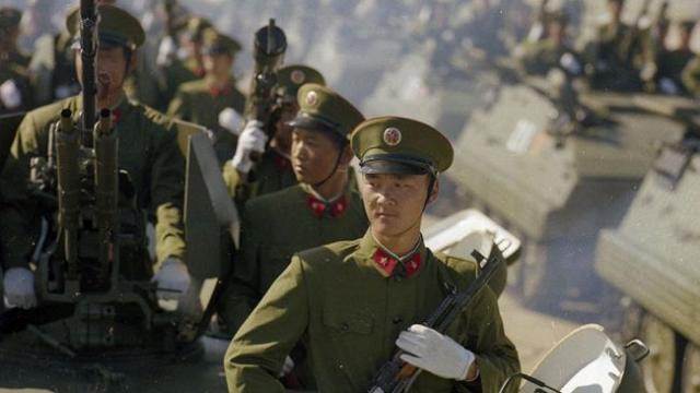 中国历史上人数最多的一次大阅兵,阅兵式结束直接开赴战场参战!