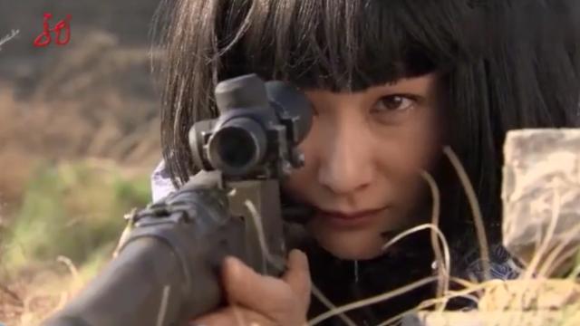 习武之人能感觉到杀气,千米之外瞄准镜看大侠一眼