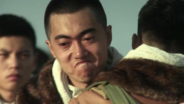 中国空军铁血柔情,面对即将战死的兄弟,所有人留下热泪