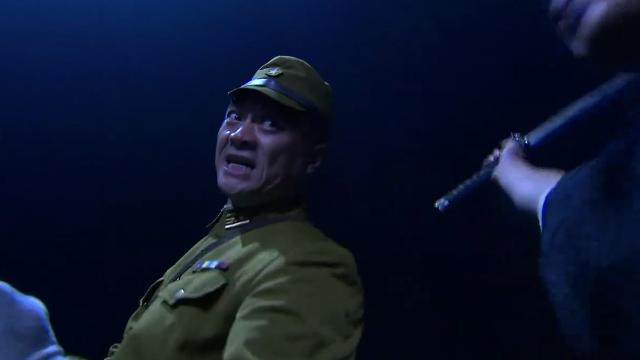 太极高手对战日本忍者,小伙一掌拍飞俩小日本,中国武术完胜