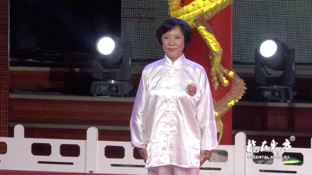 55岁女师傅打拳刚劲勇猛,中国武术七段并非浪得虚名
