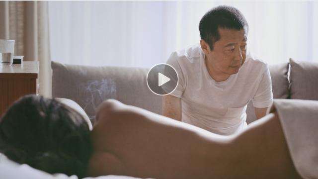 程耳执导《不浪漫》贾樟柯与裸女同框