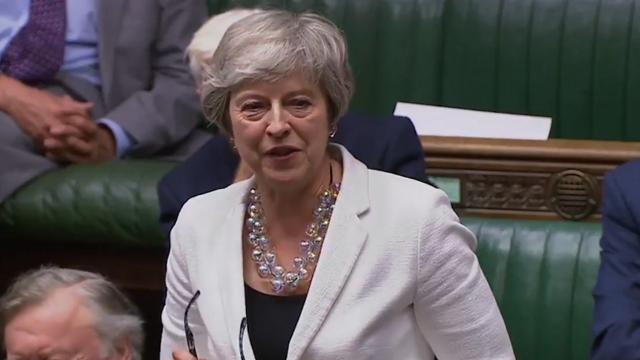 特雷莎·梅:站在这有似曾相识的感觉 约翰逊和在场的议员都乐了