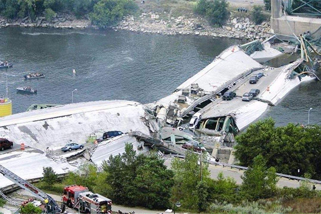 韩国大桥崩塌造成伤亡,上千亿打水漂 ,韩国网友:应该找中国造