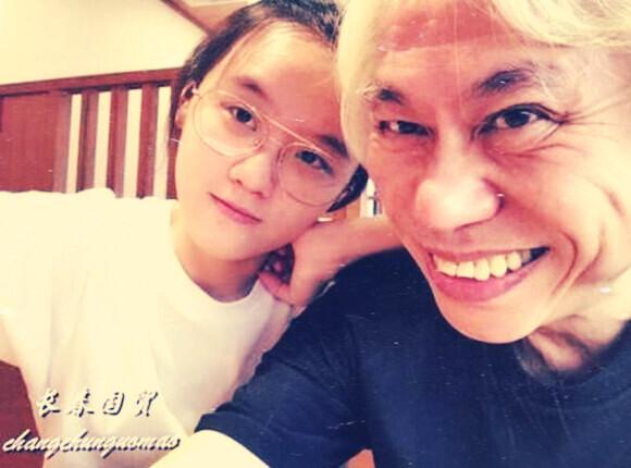 63岁台湾作词家李坤城小40岁女友近照曝光,爷孙恋已领证结婚