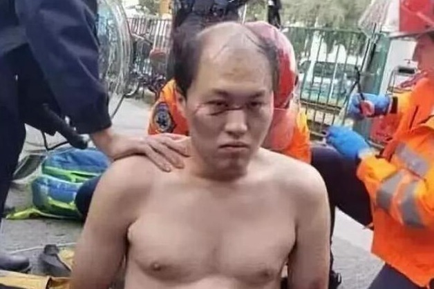刺杀何君尧的暴徒被控重罪 香港法院下令:不得保释!