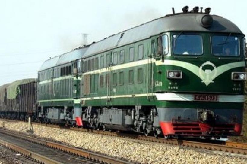 中国最长的火车,车厢长度有4000米!一眼看不到头!