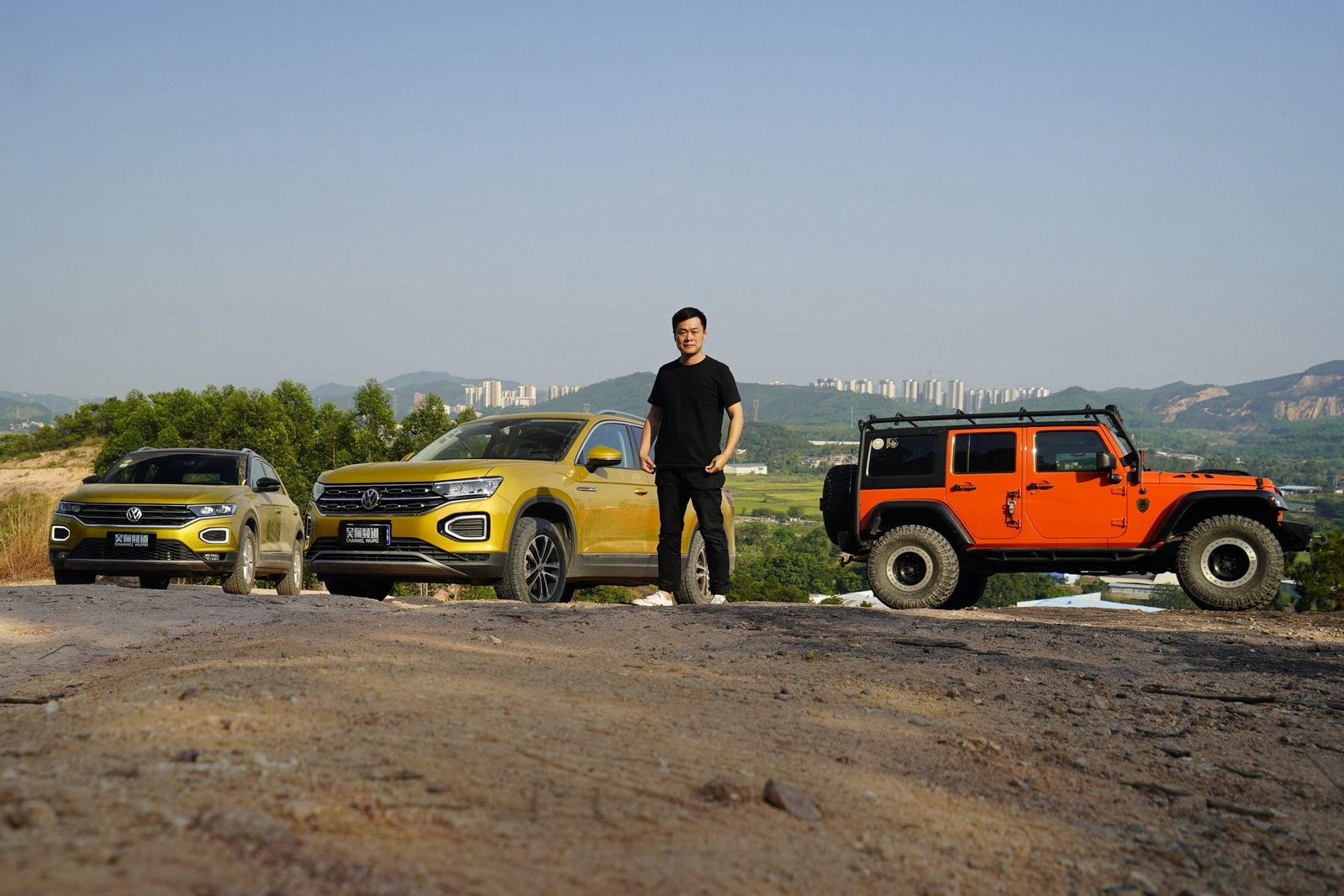 """谁说城市SUV不能越野?""""双探""""对决牧马人,换套轮胎就能成"""