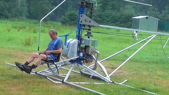 民间牛人改装的飞机,别看结构很简单,它真能飞得起来