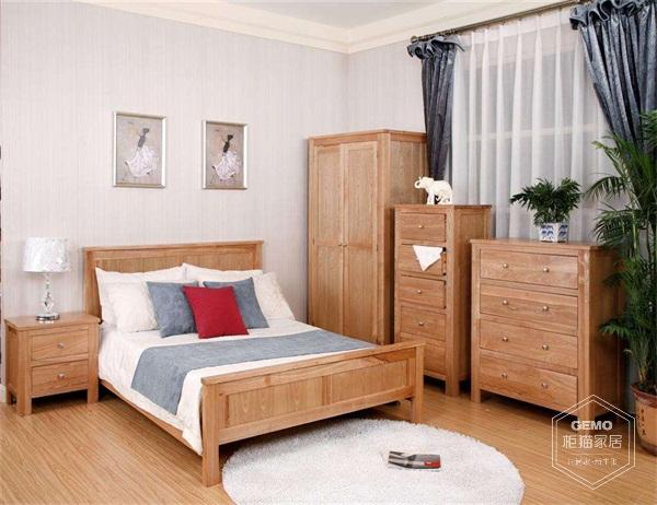 相信大家对实木家具如何打造时尚家居有一定的相识了吧! 手工打造实木家具