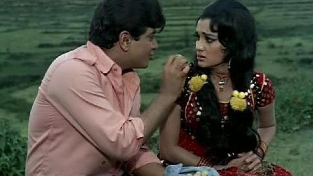 七十年代印度电影大篷车插曲,老片总有经典与感动,第一首
