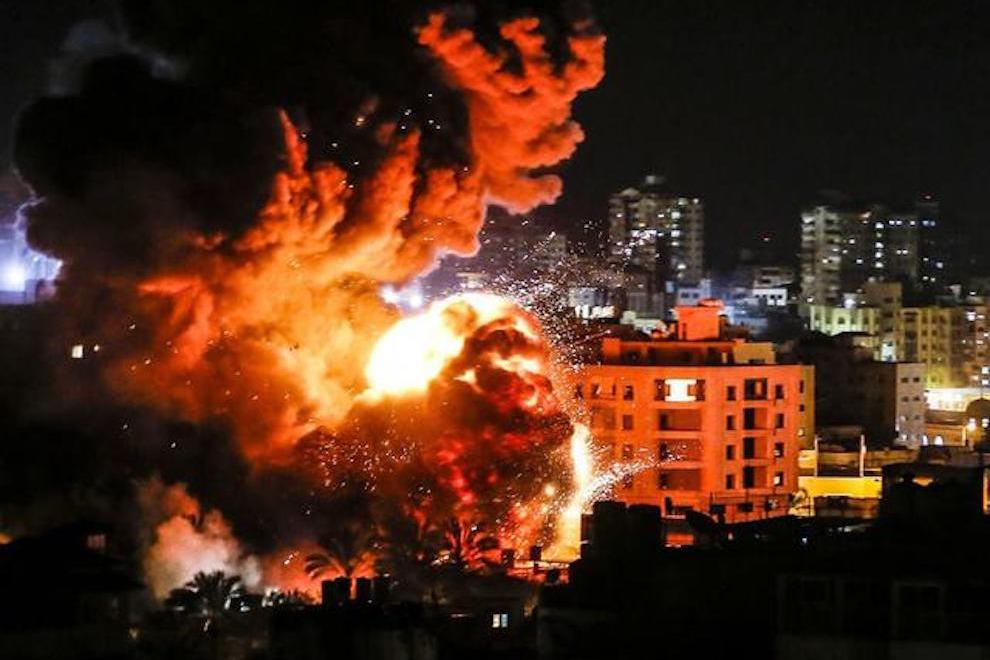 大批火箭弹从天而降,中东局势已走向失控,发射阵地随后被一锅端