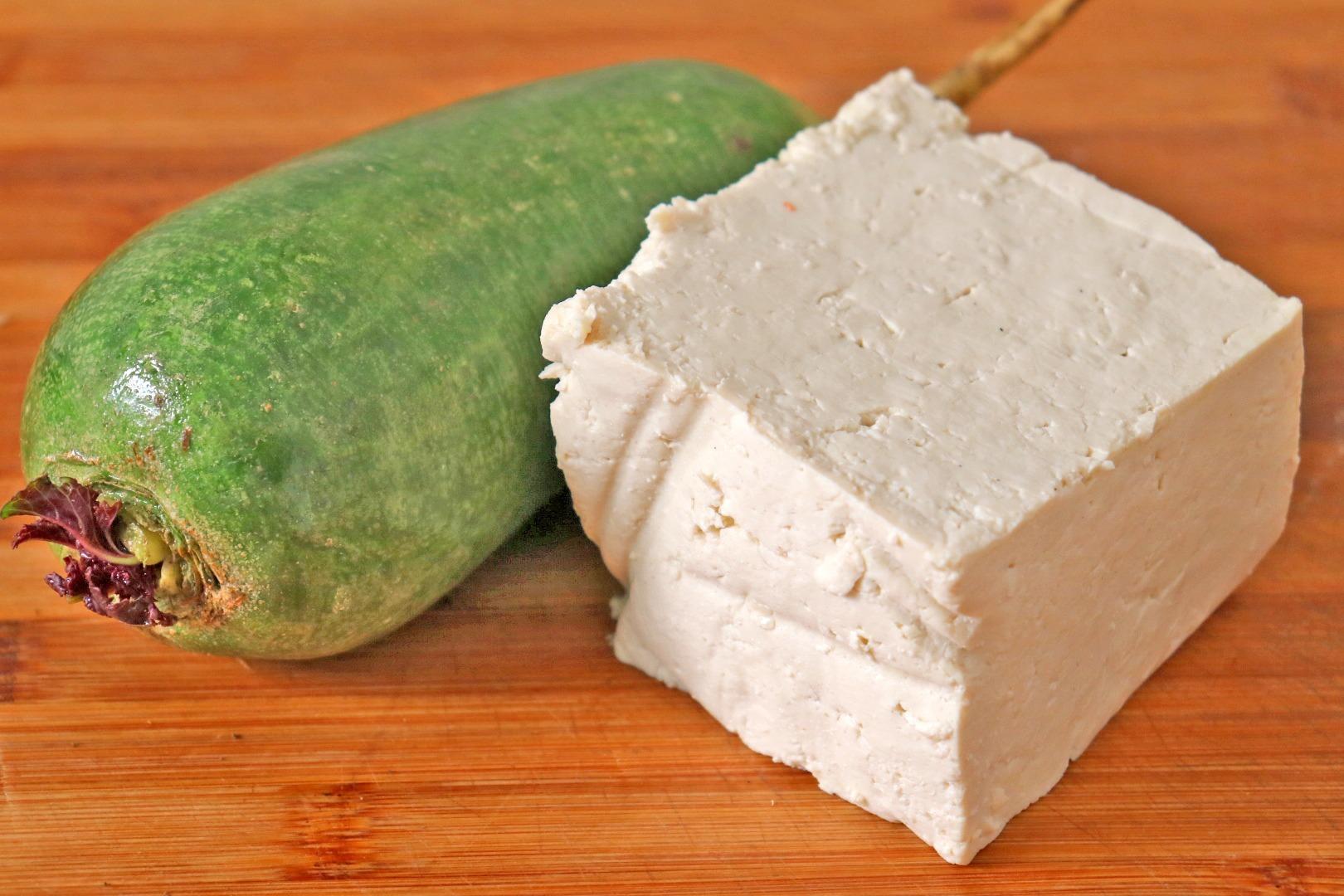 萝卜里加1块豆腐,不炒也不炖,简单一做,太解馋,出锅就抢光!