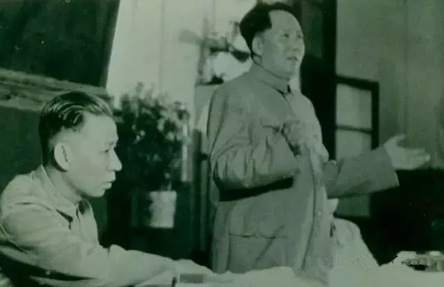 中国共产党七届三中全会上,毛泽东作《为争取国家财政经济状况的基本好转而斗争》的书面报告