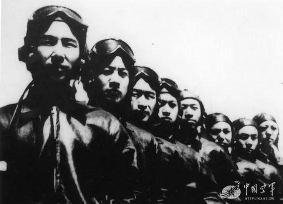 荣立集体一等功的王海大队。 图片来源:中国空军