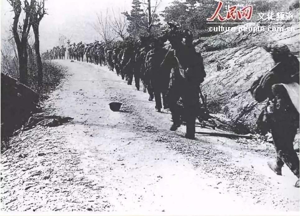 中国人民志愿军向云山开进。图片来源:人民网