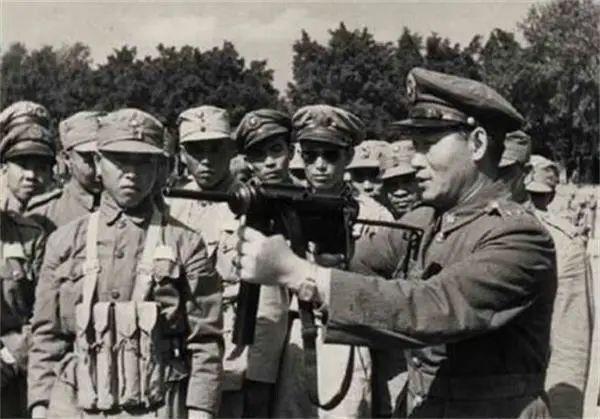 1950年孙立人收到陈毅策反信后问:怎么不是朱德写的
