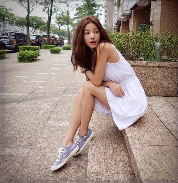 """台湾41岁""""阿姨"""" 容貌身材还似20岁学生妹图片"""