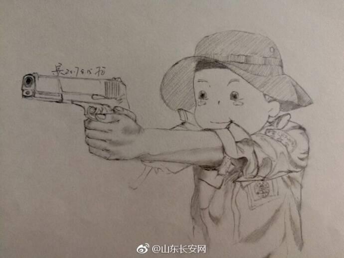 山东女特警用铅笔画记录下日常_手机凤凰网