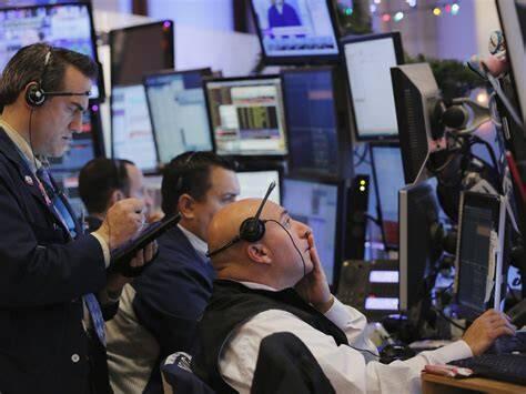 政府关门进入第三天 美股周一低开