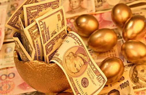 中国去年狂抛美债的背后:买日债、囤黄金、稳汇率
