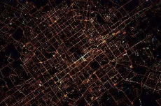 周其仁:都市有了不得的扶贫功能