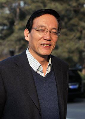 刘世锦:如果过去高速增长是吃肥肉 追求高质量发展就要啃硬骨头