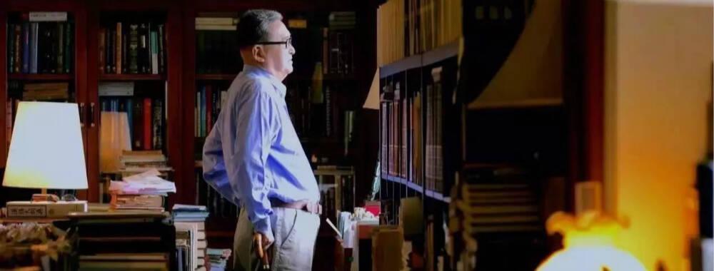 """""""反旅游""""的李敖 为什么念把本身的书房搬到西湖边?"""