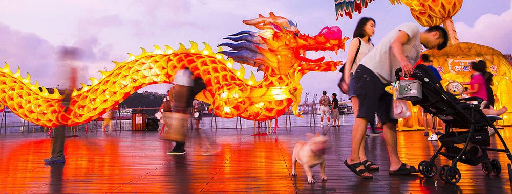 中国古老民俗流光溢彩 全国各地灯会美不胜收!